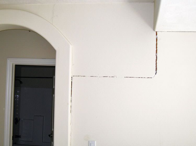 What Causes Hairline Cracks In Painted Interior Walls
