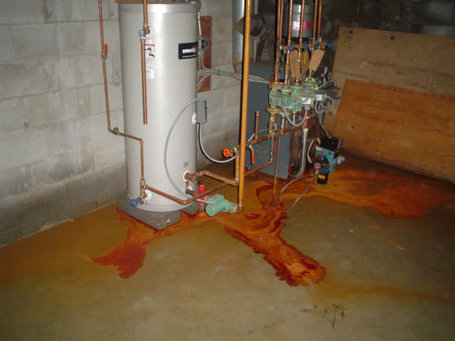 Iron Bacteria Ochre In Wet Basements, How To Tell If Basement Drain Is Clogged